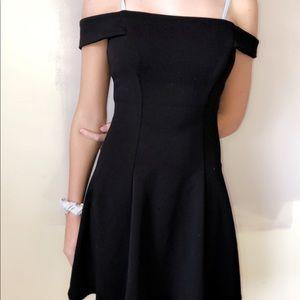 cute off the shoulder dress!🍁